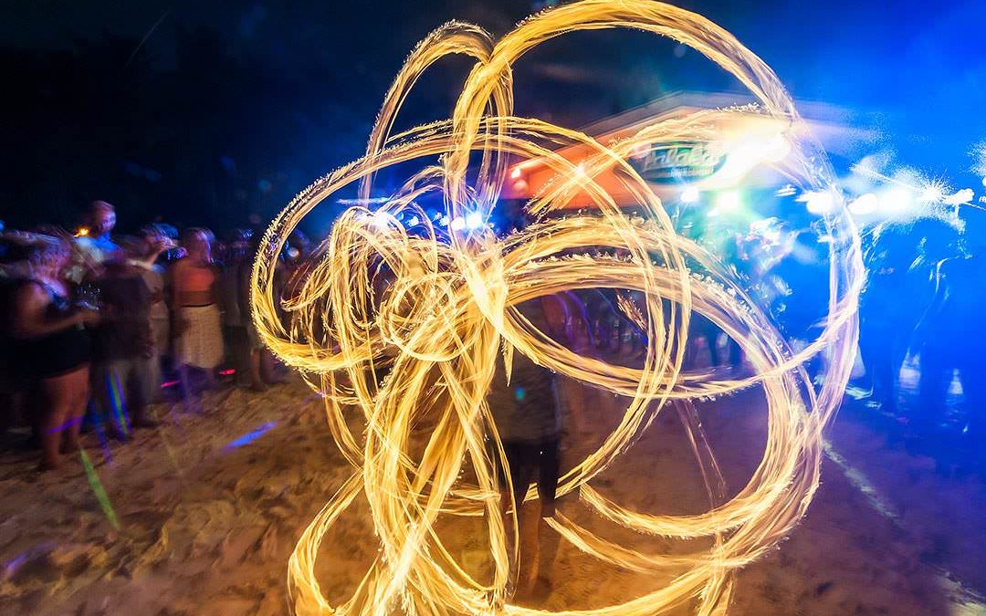 fire-dancing-_mini-1